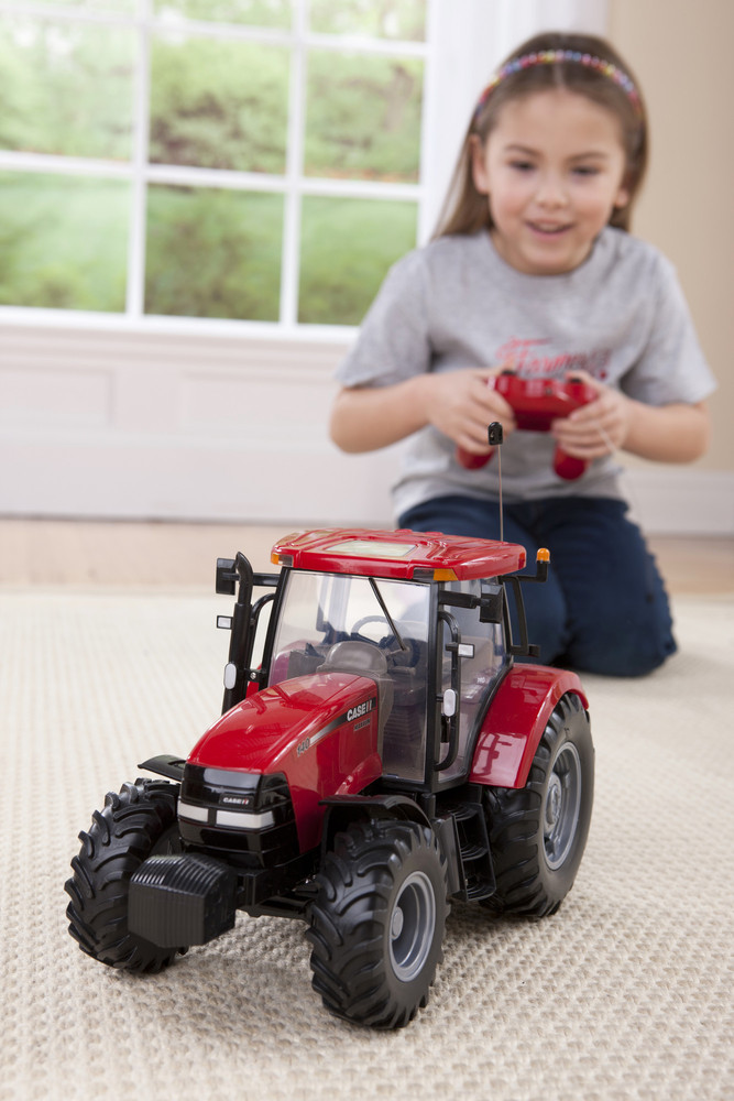 Ferngesteuerter Case IH 140 Traktor