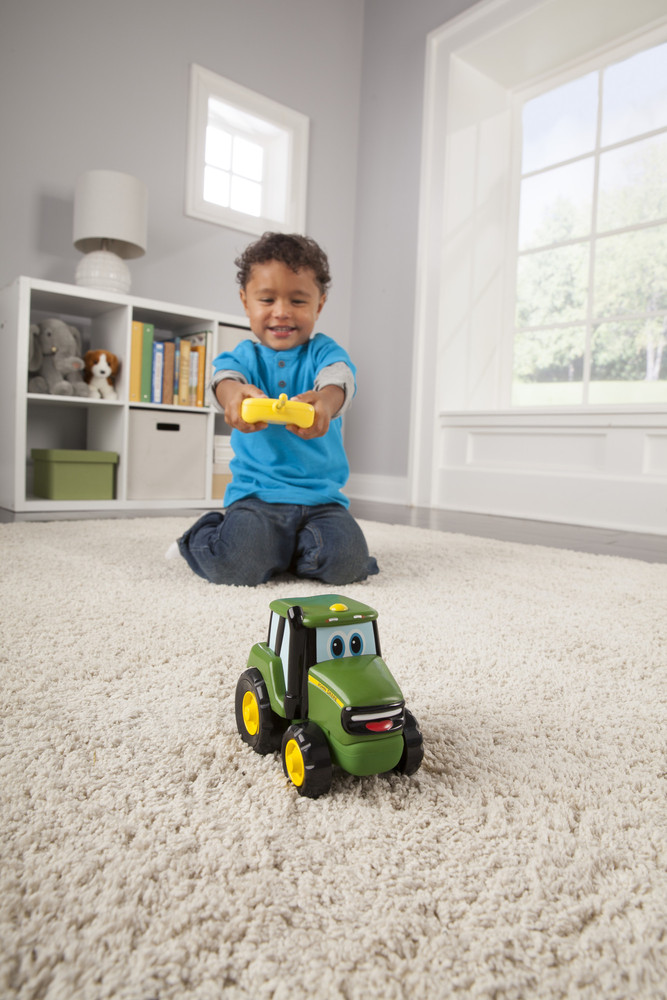 Ferngesteuertesr R/C Johny Traktor